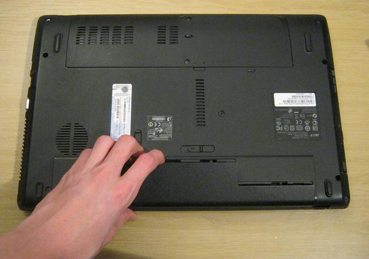زمان مناسب تعویض باتری لپ تاپ