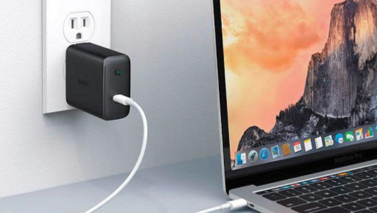 MacBook شارژ نمی شود