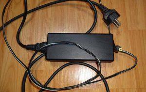 روشی ساده برای برطرف کردن مشکل ساییدگی سیم شارژر لپ تاپ
