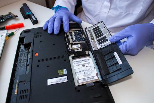 تعمیر و نگهداری لپ تاپ یا PC